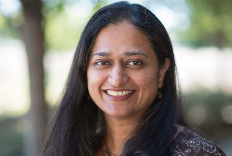 Photo of Associate Professor Preeti Oza